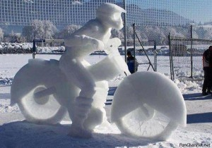 Motorcycle-Snow-Sculpture